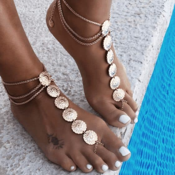 chic look for ankles